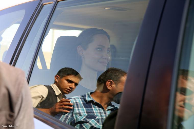 Jolie az elmúlt 15 évben talán egymaga többet tett menekültügyben, mint bárki más a világon...