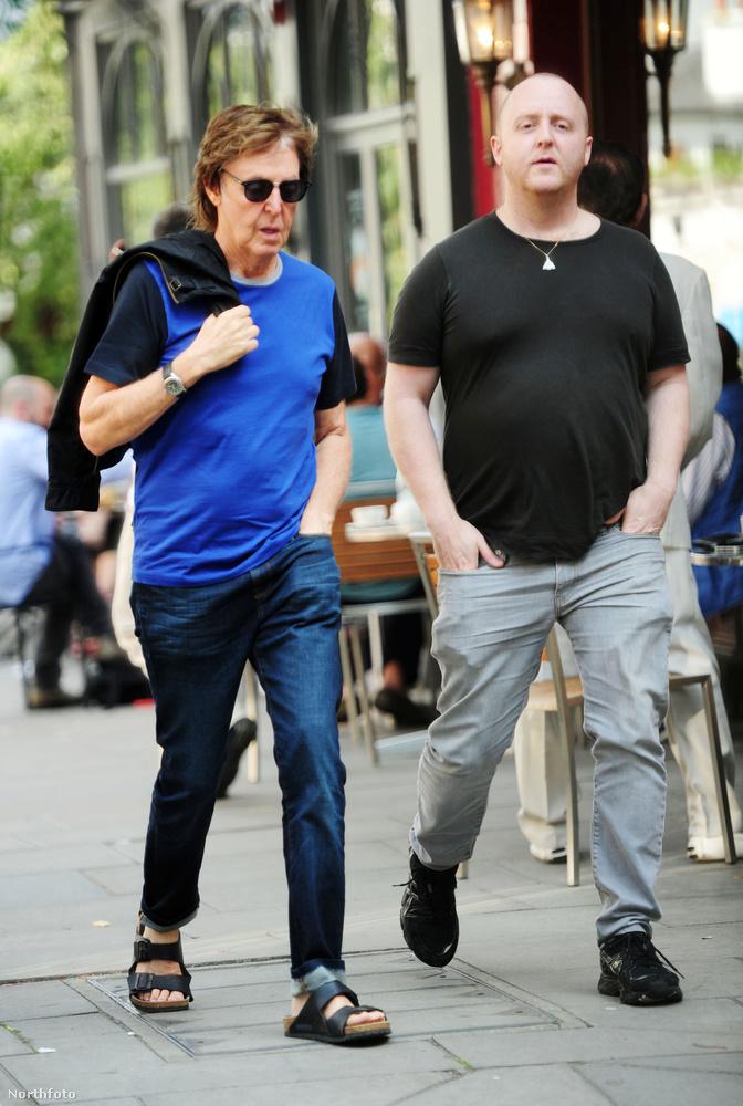 James McCartney ugyanis szintén zenész, és egy pár albuma azért már megjelent.