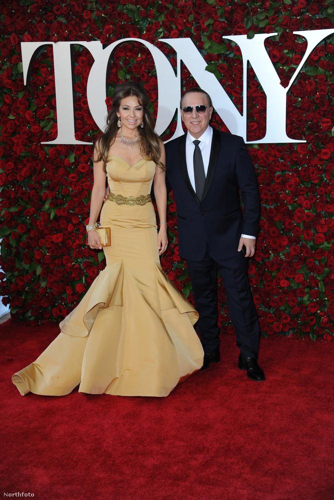 A Rosalinda című szappanopera főszereplője, Thalía Sodi és a nála 22 évvel idősebb, milliomos üzletember, zenei producer, Tommy Mottola a kilencvenes évek végén jöttek össze