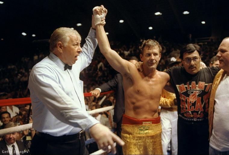 91-ben tért vissza a boxhoz, de akkor már a profikkal kesztyűzött