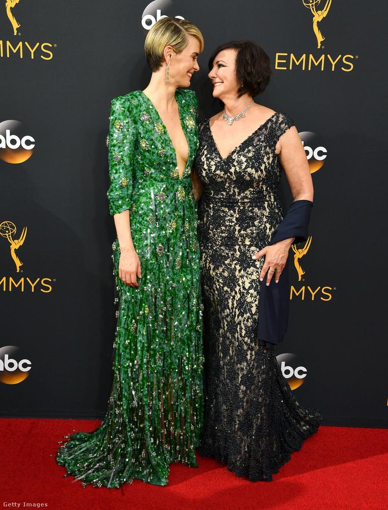 Kevés cukibb páros volt az idei Emmy-díjátadón, mint Sarah Paulson és Marcia Clark duója