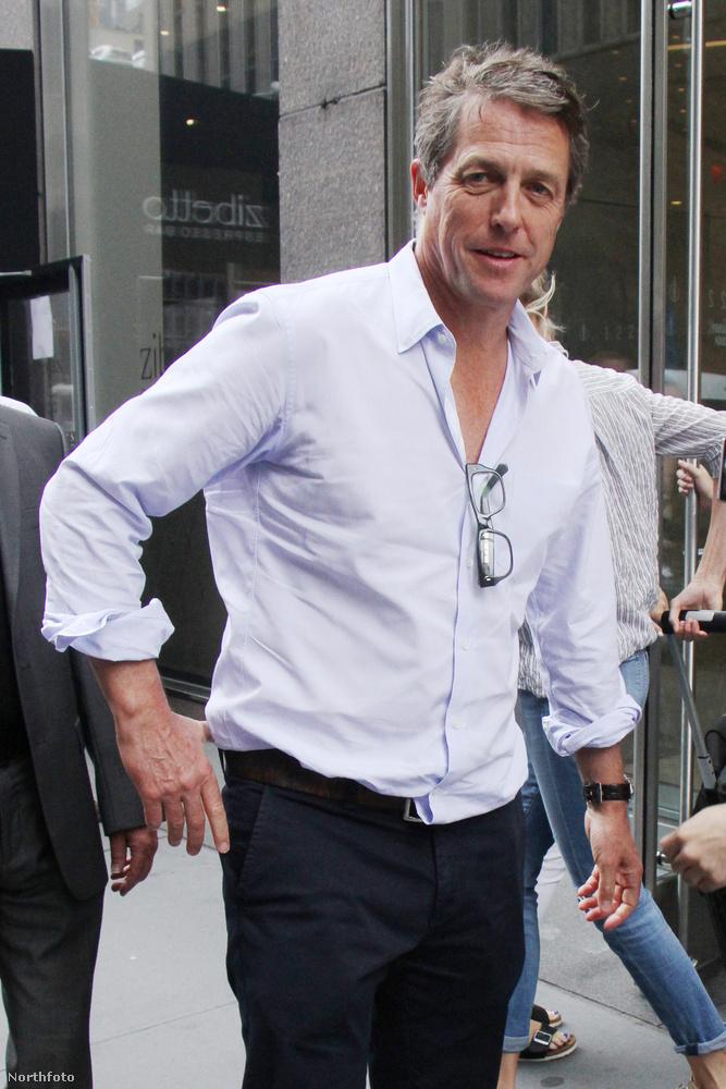 ...és megelőzi George Clooney-t is az ezüstös hajával.