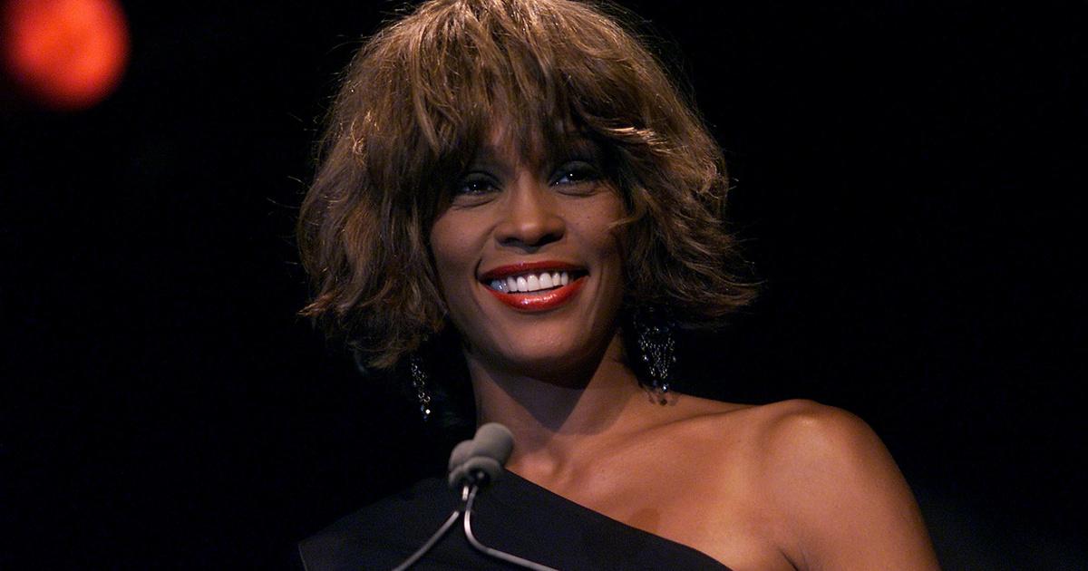 Nem csak nosztalgiából lesz érdemes megnézni a Whitney-t