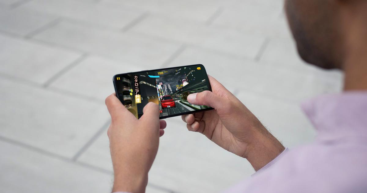 Óriási kijelzőt kapott a OnePlus 6