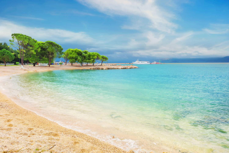 Tropical Island Beach Ambience Sound: Homokos Strandok A Horvát Tengerparton: Mutatjuk Az 5