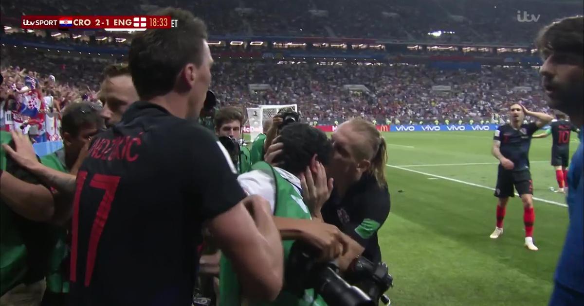 Egy fotós lett a győztes horvát gól legnagyobb sztárja