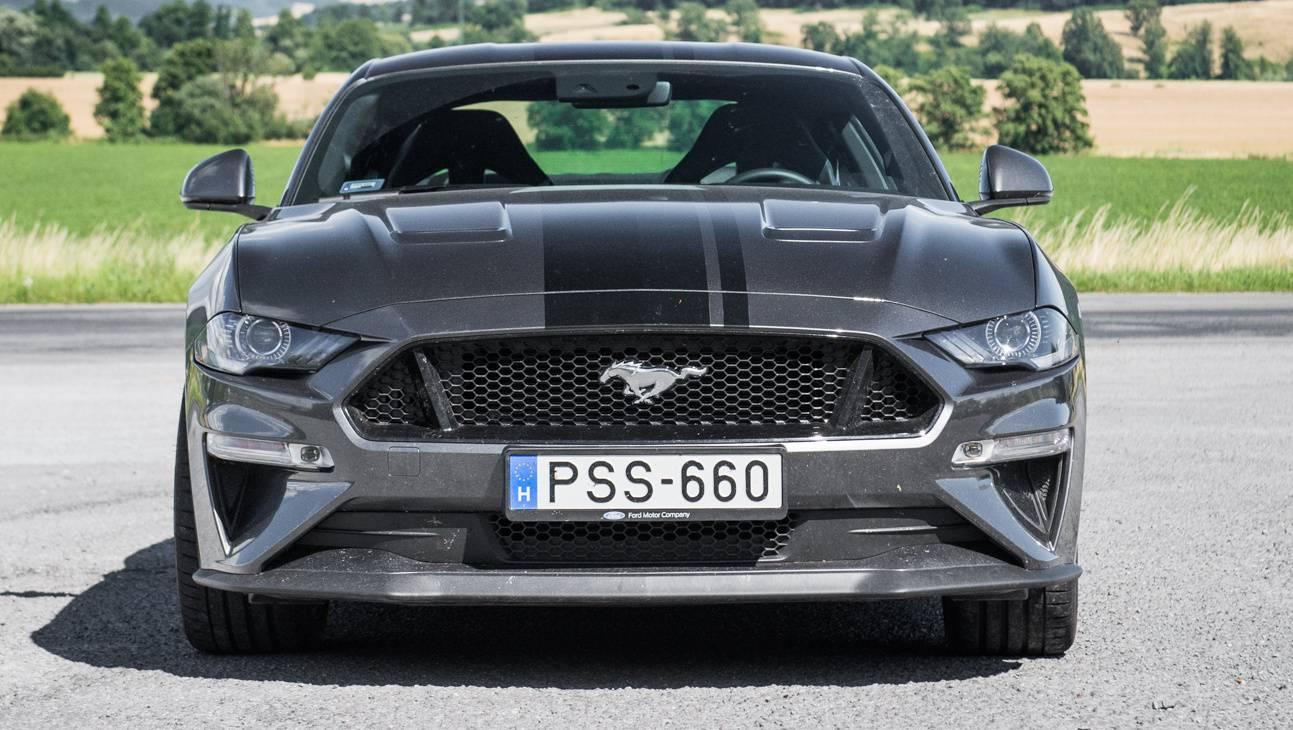 Totalcar tesztek ford mustang gt 2018
