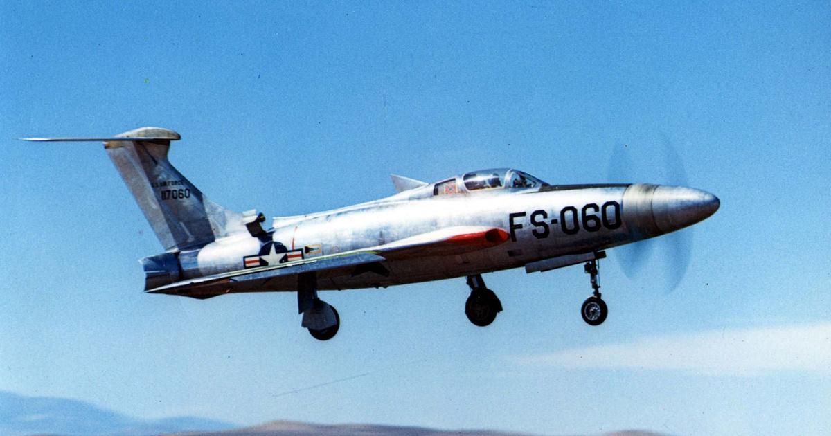 Friss hírek: A recept: végy egy 3,7 méteres propellert, köss rá 7200 lóerős motort, és pörgesd fel percenként 3000-es fordulatra.
