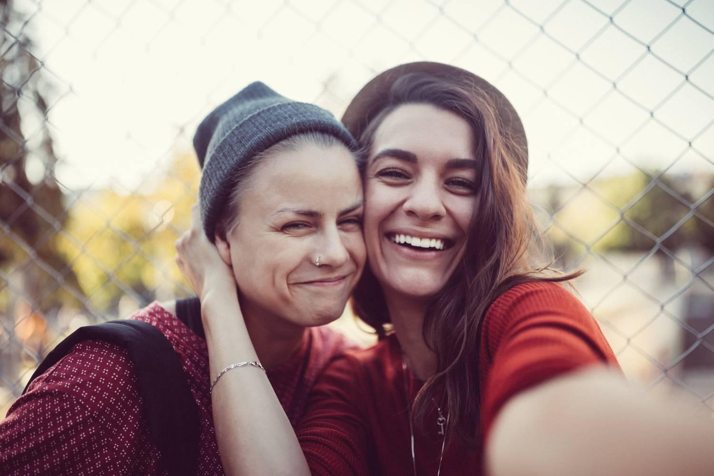 Szőke leszbikusok meztelenül