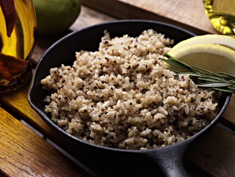 fogyni csak a barna rizst eszik
