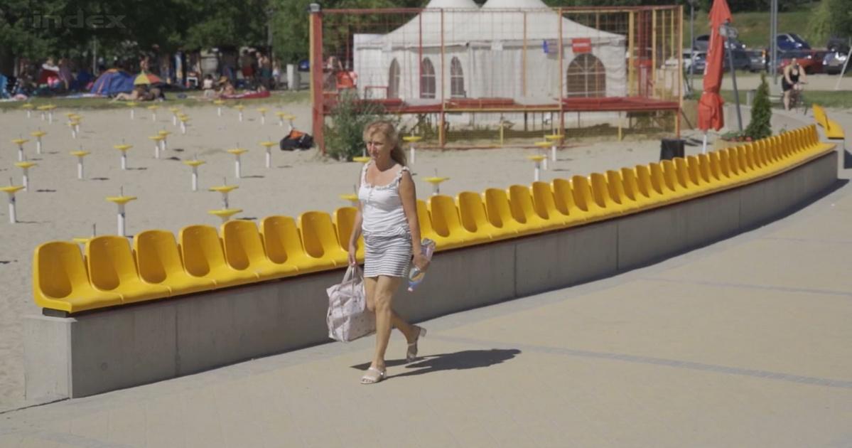 velecei tónak háttal székek válasz