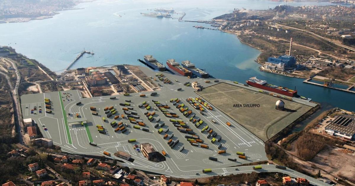 A pénzt viszi, de még mindig nem került magyar tulajdonba a trieszti kikötő