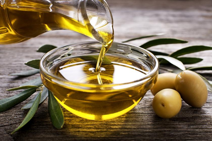 8 dolog, amire kiváló egy kevés olívaolaj: az elromlott cipzártól a festékes bőrig