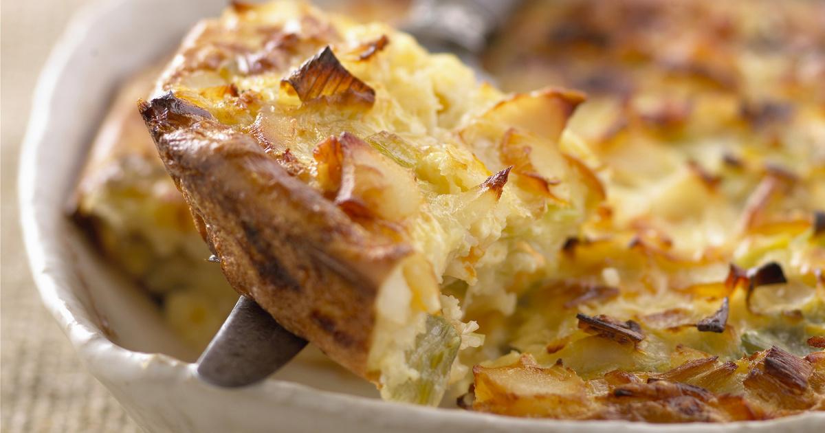 Szaftos póréhagymás tepsis krumpli: így különösen finom