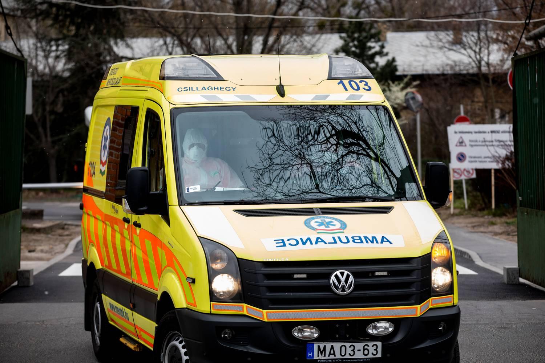 Oks gyanúja szerint mentőautó vaksággal helyre lehet állítani a látást