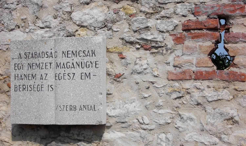 Csodásan indult Mihályék velencei nászútja, egy drámai fordulat azonban mindent megváltoztatott