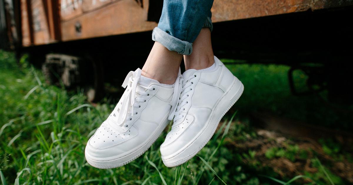 Fehér sportcipő tisztítása Otthon | Femina