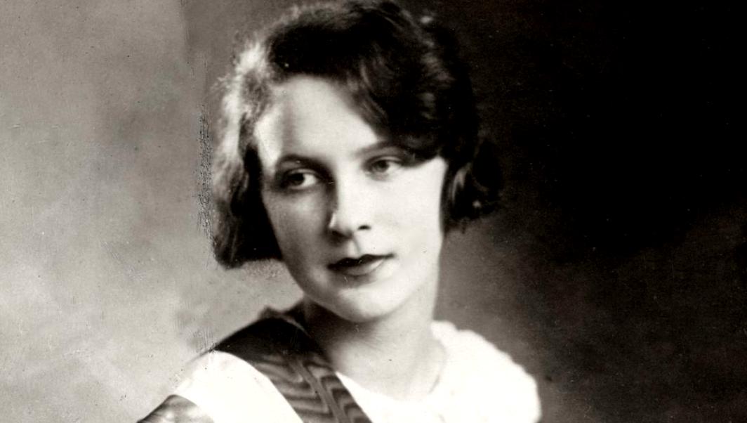 Szépnek lenni egészen bonyolult – Simon Böske, az első magyar szépségkirálynő története