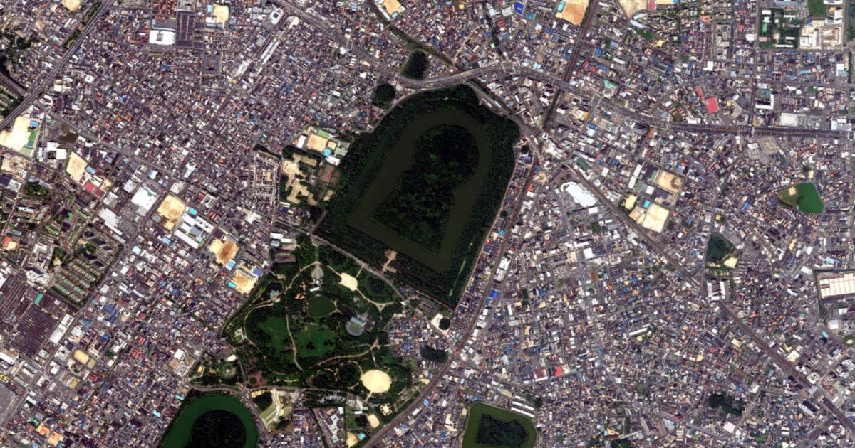 A mai napig titok, kiket őriznek a gigantikus, kulcslyuk alakú japán sírok: az 5. századi emlékeket nem hagyják feltárni