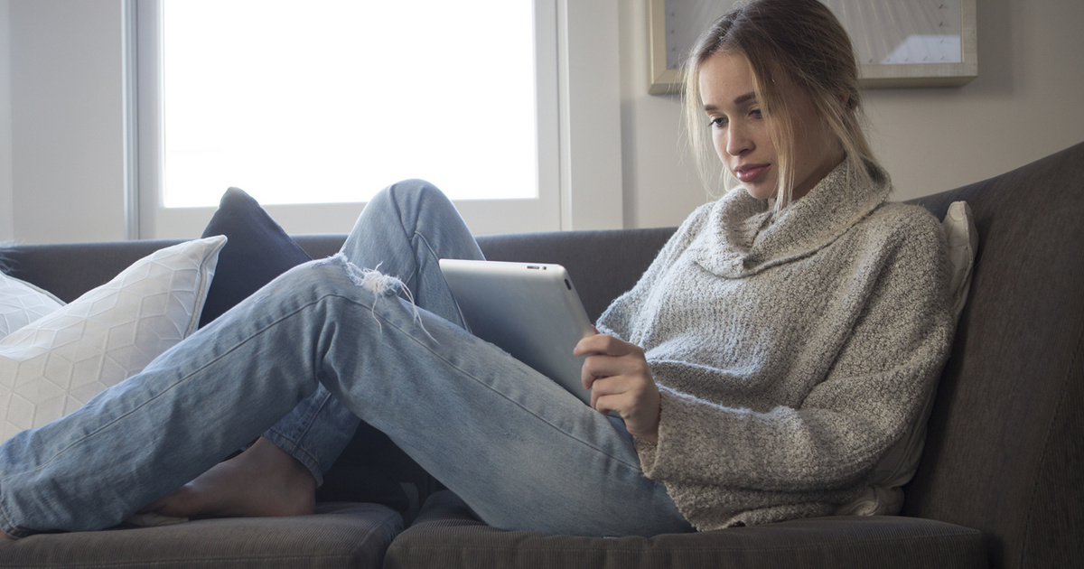 Pihe-puha, kényelmes és megfizethető pulcsik otthonra: online is beszerezhető darabokat mutatunk