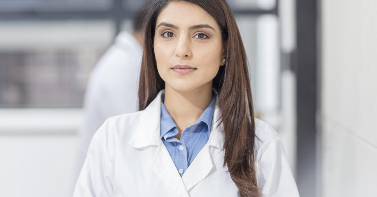 Miért pont fehér köpenyt viselnek az orvosok? A 19. századba nyúlik vissza a szokás eredete