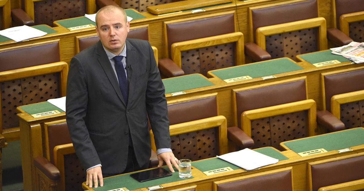 Egy 150 milliós villában bujkál a cigarettacsempészeten ért MSZP-s politikus
