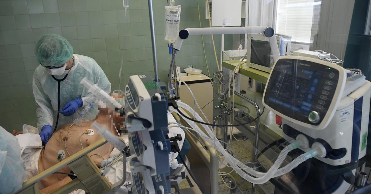 Koronavírus: új csúcson a kórházban ápoltak száma