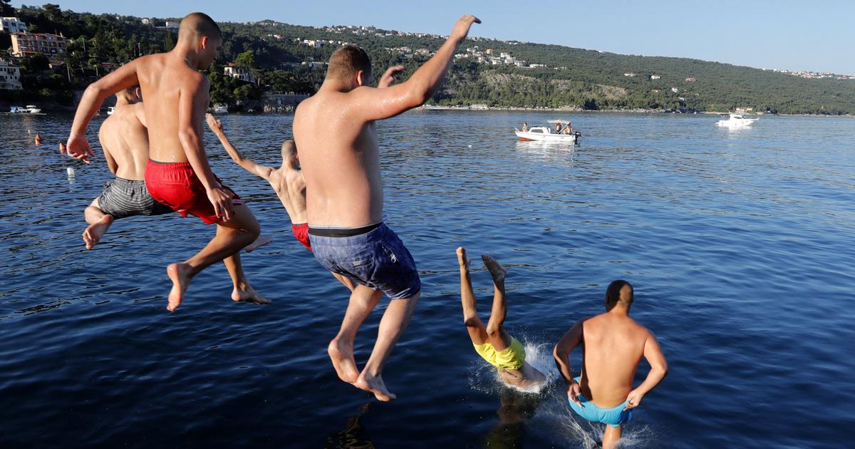 emberek tudják nyaralni)