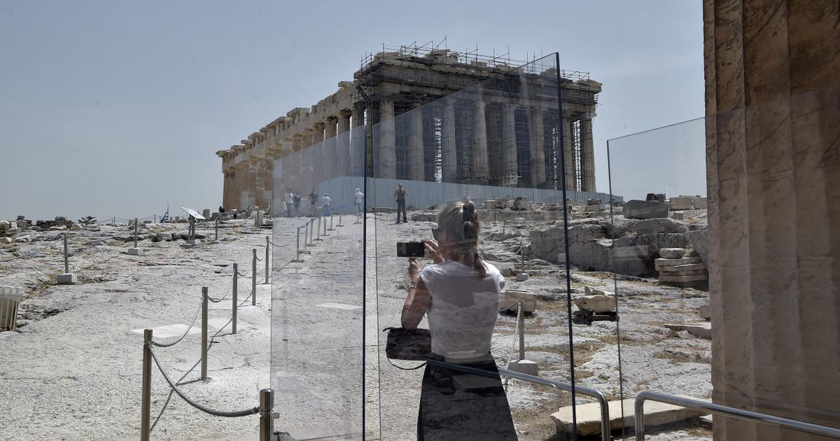 Görögország már jövő héttől karantén nélkül fogadna turistákat