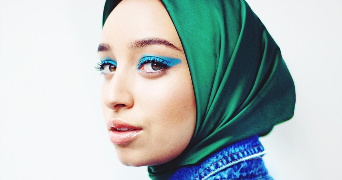 """""""Nem megyek ki veled az utcára, ha kendő van rajtad"""" – Muszlim nők Magyarországon"""