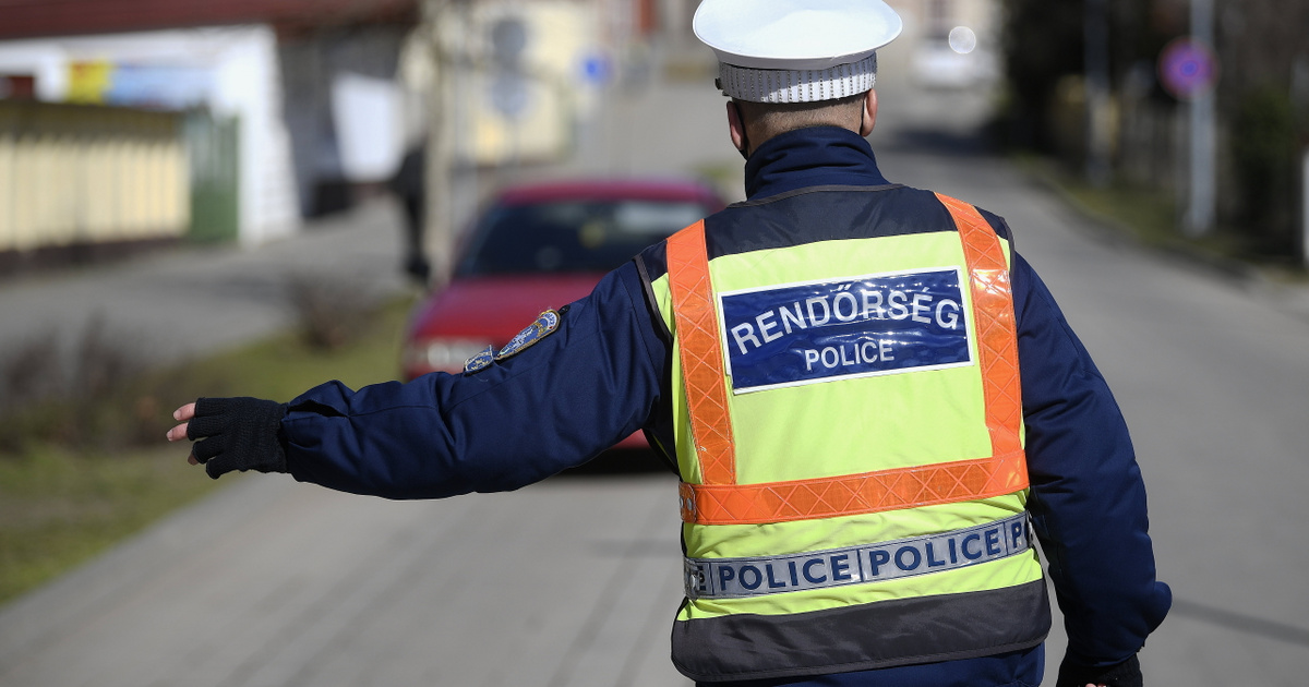Holnap fokozott ellenőrzést tart a rendőrség valamennyi autópályáján