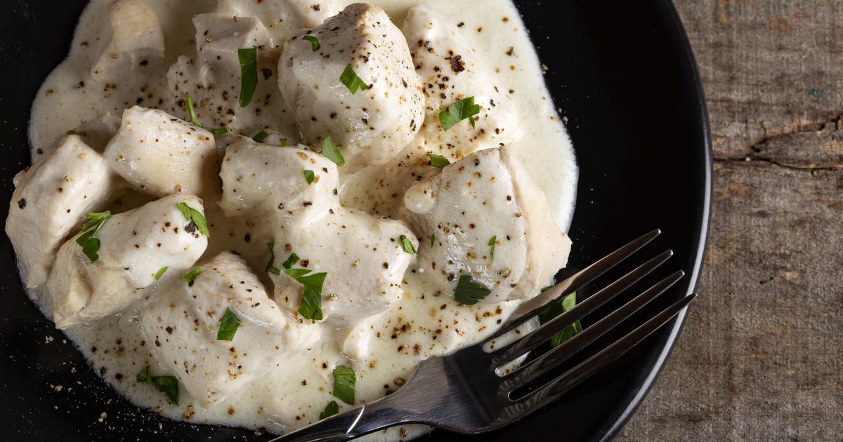 Fokhagymás, tejszínes csirkemell, ami fél óra alatt megvan: rizzsel és krumplival is finom