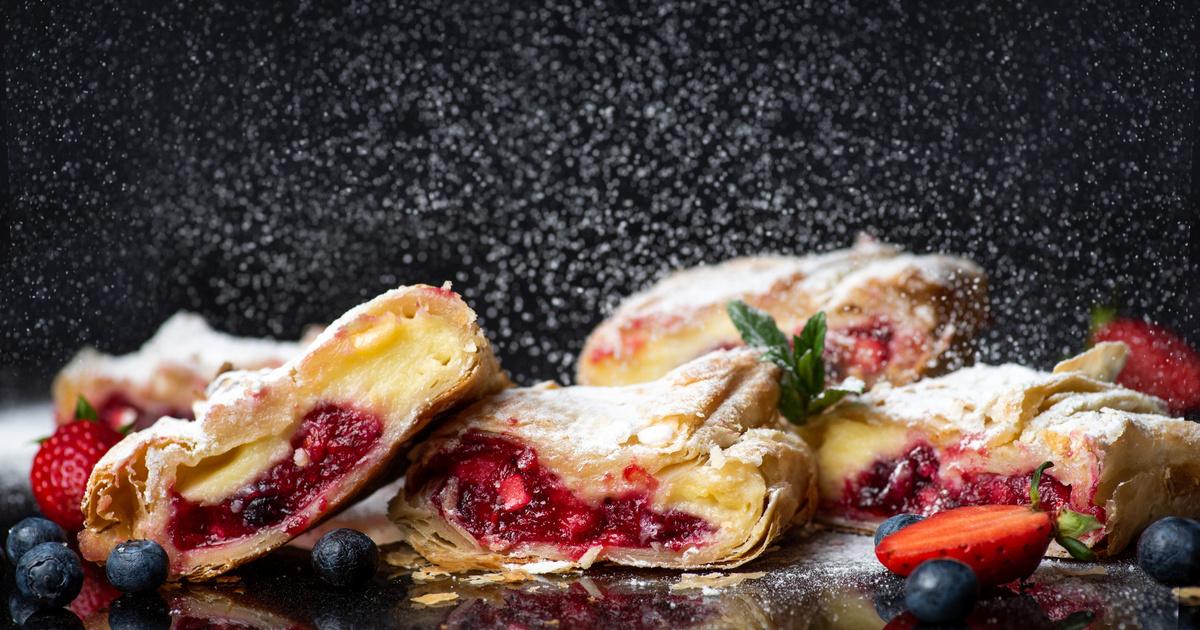 Abbahagyhatatlan túrós-gyümölcsös rétes: kész réteslapból pillanatok alatt elkészül