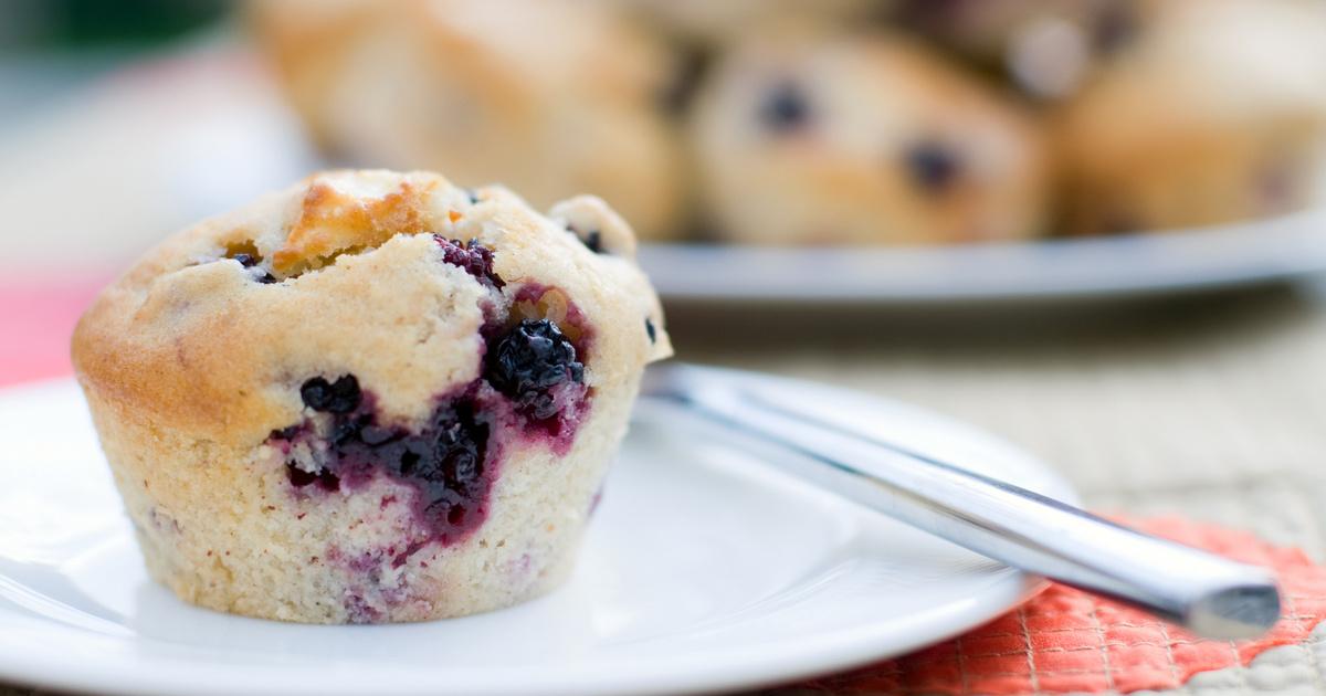 30 perces, puha szedres muffin: a tésztát keverd össze, és dobj bele gyümölcsöt