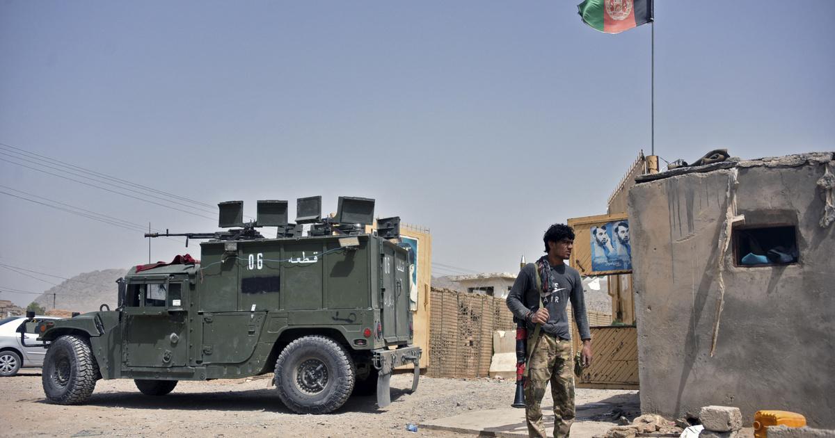 Megbénult a kandahári reptér