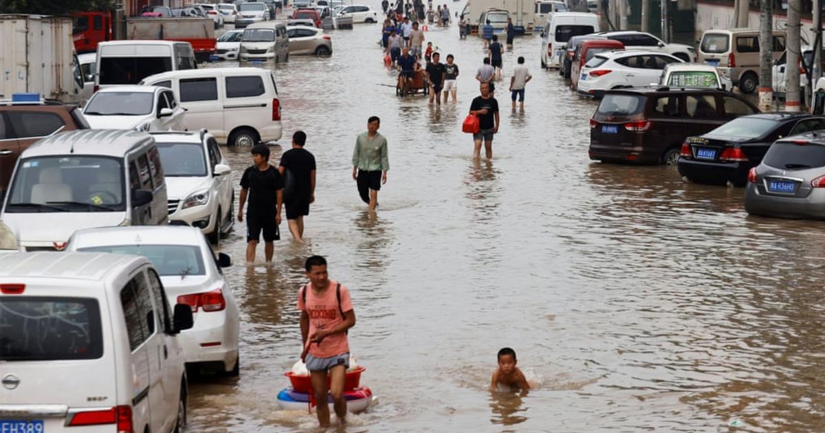 Több százan meghaltak a kínai áradásokban