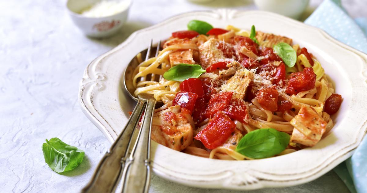 Csirkés, sült paprikás tészta: laktató és gyors ebéd sietős napokra