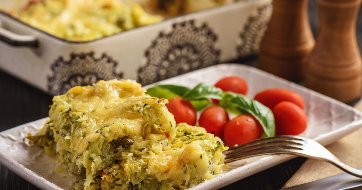 Cukkinis rakott krumpli tejszínnel rétegezve: dupla sajttal a tetején fenséges