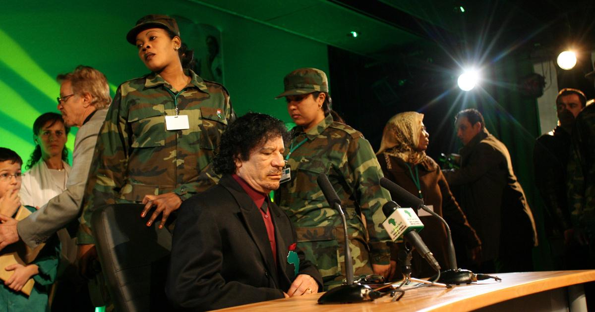 Megerőszakolta testőreit, őrző-védő háremet tartott Kadhafi: az Amazon Gárda tagjait személyesen toborozta a diktátor