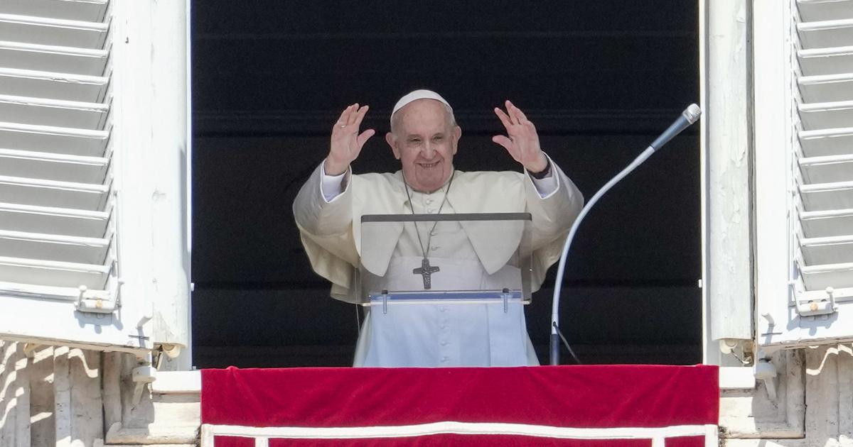 Magyarországra érkezett Ferenc pápa – Percről percre az Indexen