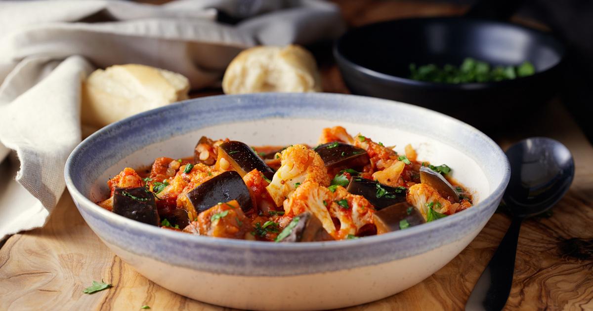 Szaftos zöldségpörkölt padlizsánnal és karfiollal: nincs benne hús, mégis mennyei