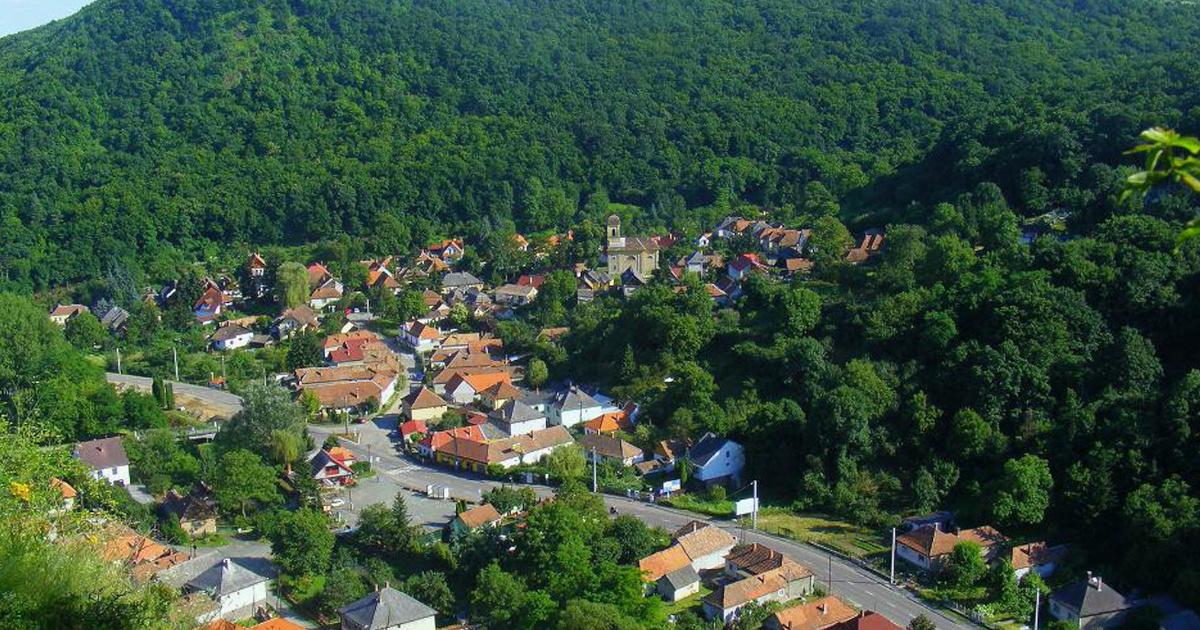 8 meseszép, völgyekben megbújó magyar falu: a gyönyörű Szarvaskő a Bükk lábánál húzódik