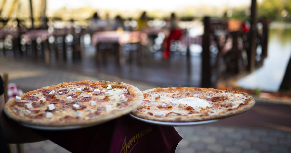 Jó hír a sajtkedvelőknek: itt jön az ezersajtos pizza