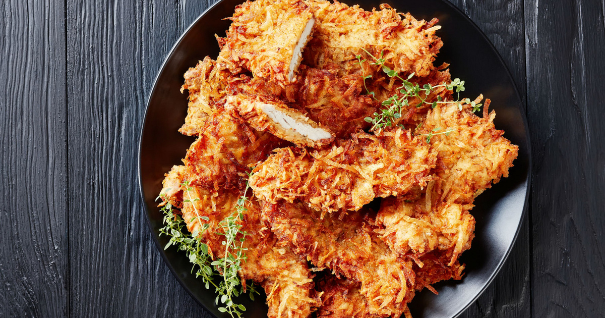 Krumplibundában sült rántott hús: kívül ropogós, belül omlós