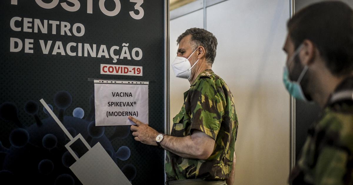 Portugáliában egy admirális a helyi Müller Cecília