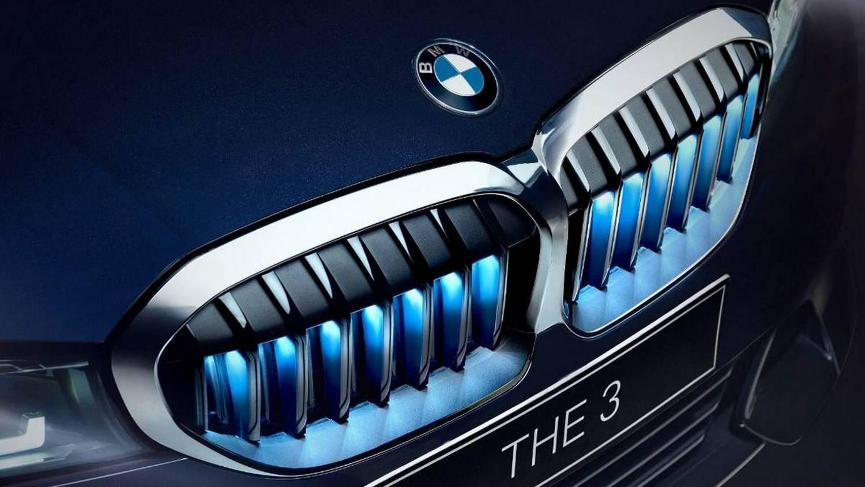 Kristályváltóval és világító vesékkel tör az indiai elitre a 3-as BMW