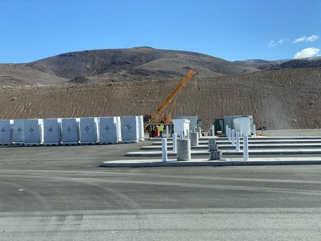 Képeken a Tesla első Megachargerei