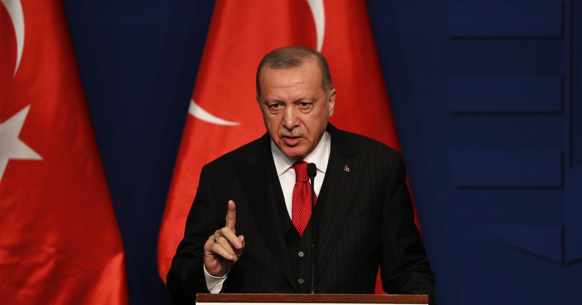 Erdogan visszavonulót fújt, mégsem tilt ki nagyköveteket