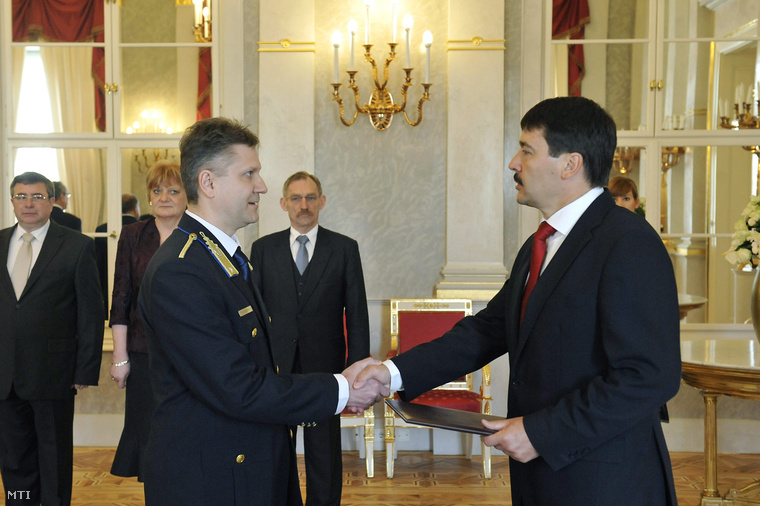 Bucsek Gábor rendőr ezredest a rendőrség napja alkalmából, Pintér Sándor javaslatára rendőr dandártábornokká nevezte ki Áder János köztársasági elnök 2013. április 26-án.
