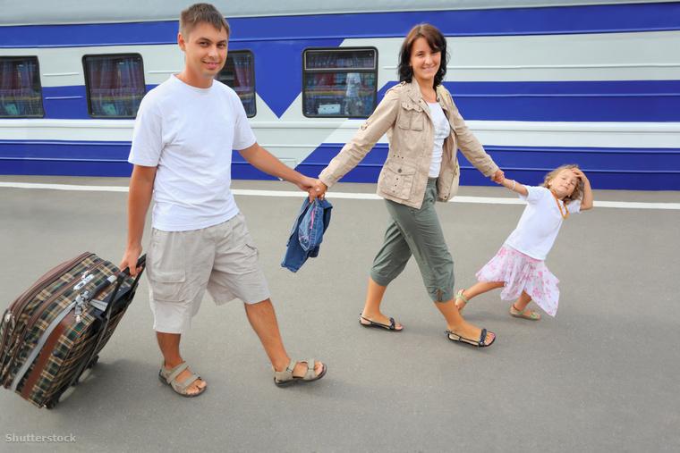 gyerekkel emigral shutterstock 42973840 2